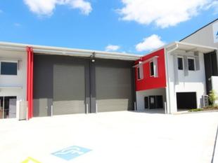New Office/Warehouse in Mansfield - Mansfield