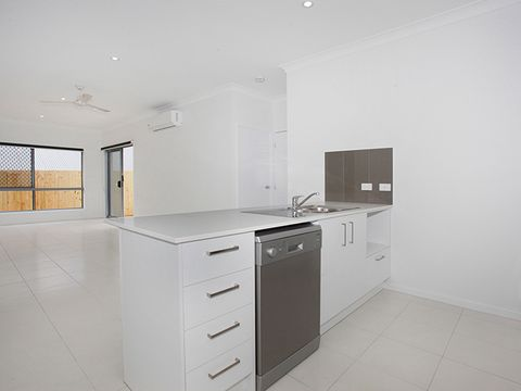 Peregian Springs, 2/2 Laurina Way