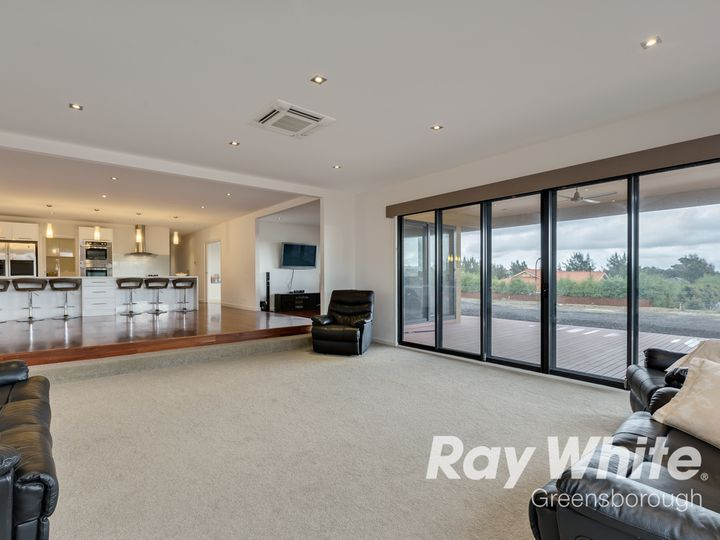 30 Tarawera Road, Doreen, VIC
