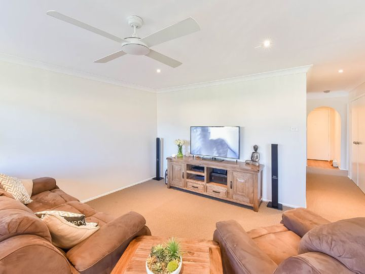 16 Day Place, Minto, NSW