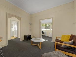 GET IN QUICK ! Walking distance to Southbank Parklands - South Brisbane