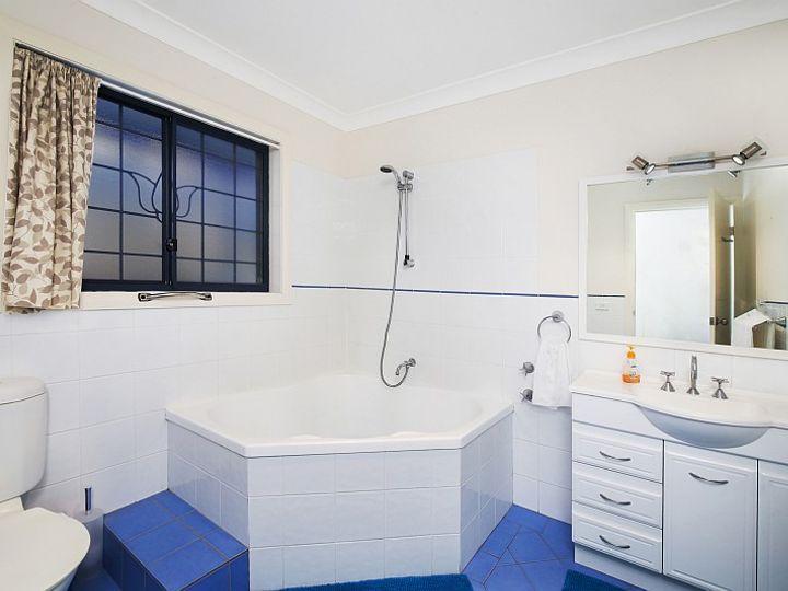 2 Jacaranda Crescent, Tascott, NSW
