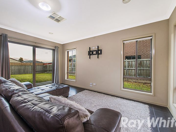 9 Belvista Way, Botanic Ridge, VIC