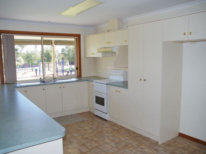2 Middleton Avenue, Paringa, SA