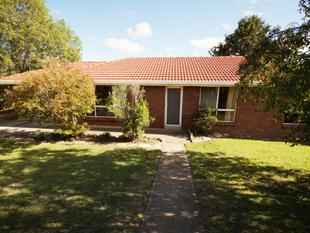 Brick Home between UNE and CBD - Armidale
