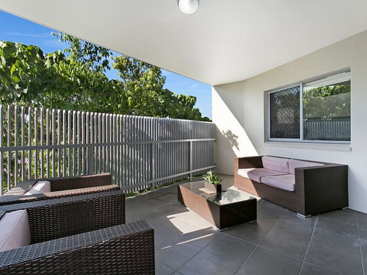 2/1 Dulwich Road, Yeronga, QLD