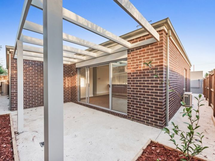 2/164 West Fyans Street, Newtown, VIC