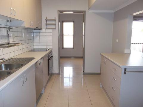 South Hedland, 41 Catamore