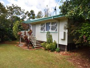 Cute 2 bed bungalow right in town - Russell Island