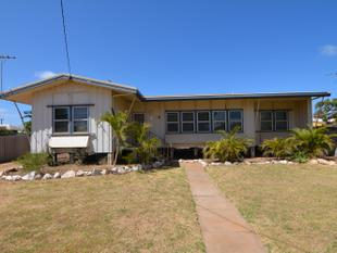 Neat Home on Crowther - Carnarvon