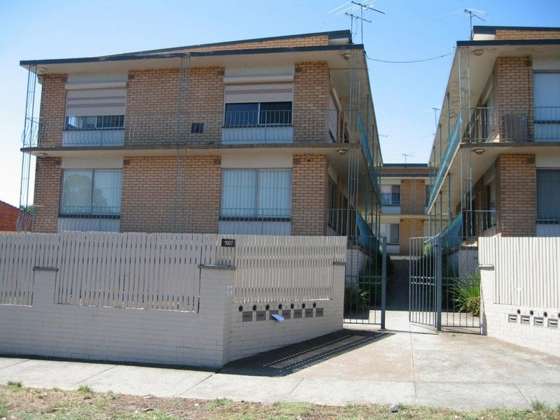 Apartment leased clayton vic 1927 dandenong road for 9 kitchen road dandenong