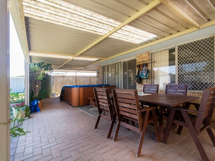 11 Barrett-Lennard Drive, Ledge Point, WA