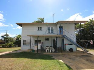 5 BEDROOM FAMILY HOME - Mareeba