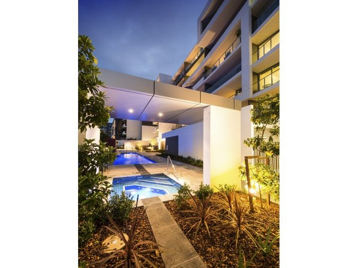 402/11 Compass Drive, Biggera Waters, QLD