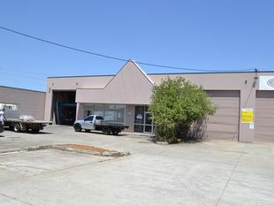 Central Location Next To Moss Street - Slacks Creek