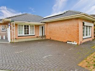Renovaters Delight, Opportunity to add your Personal Touches to this One. - Woodville North