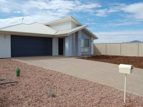 Stirling North, 5 Averis  Court
