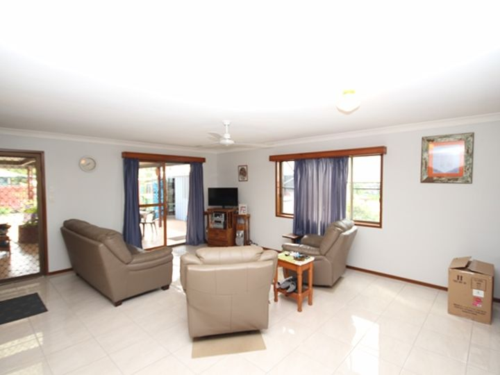 63 Bowen Road, Glass House Mountains, QLD