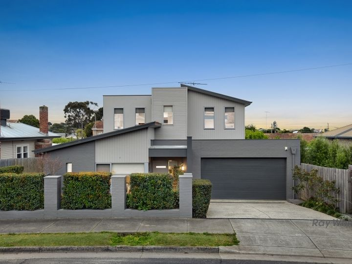 1/20 Upper Skene Street, Newtown, VIC