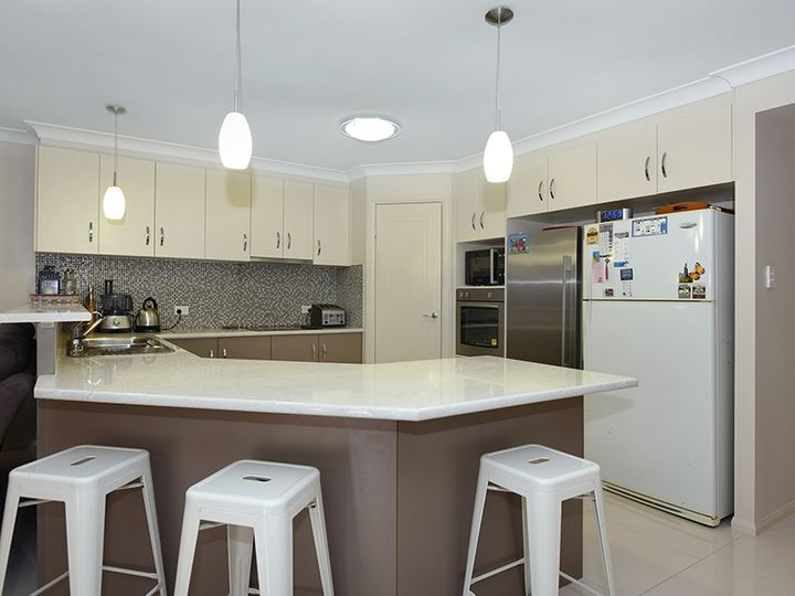 16 Parkway Drive, Highfields, QLD