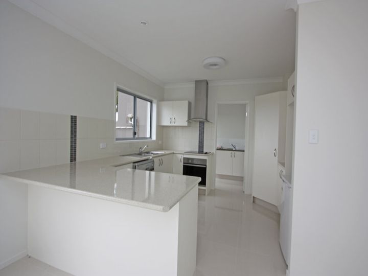 1/1 Aspect Place, Pacific Pines, QLD
