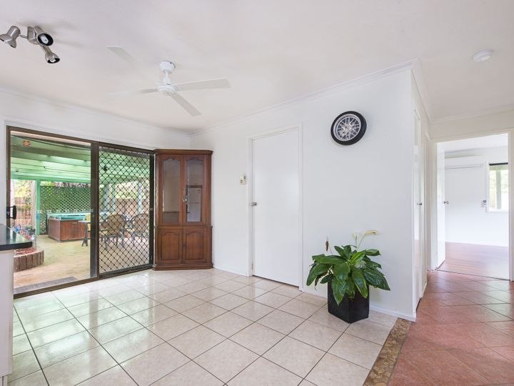8 Grampian Court, Rochedale South, QLD