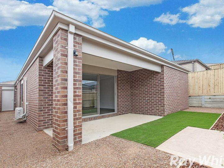 5 Scotchmer Crescent, Mernda, VIC