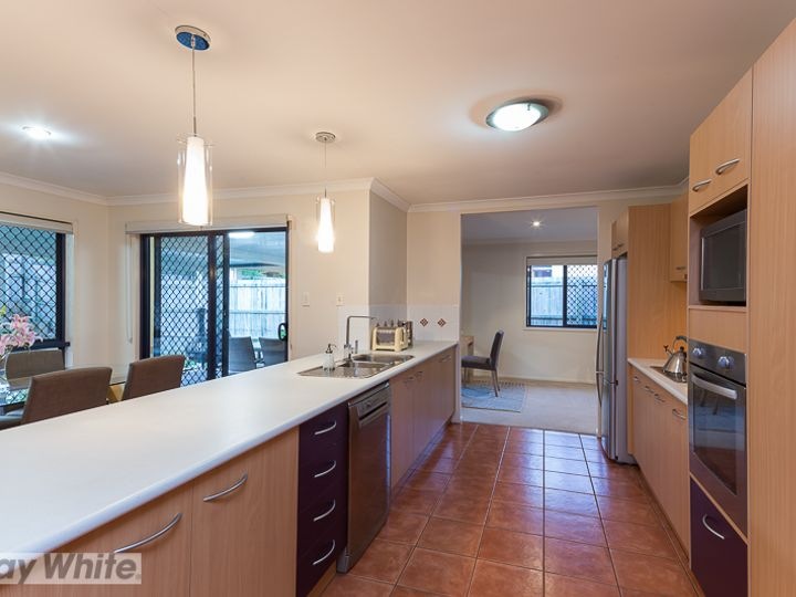 6 Coolum Court, Redland Bay, QLD