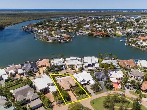 Sanctuary Cove, 5702 Observation Crescent
