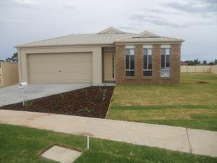 Family Friendly 4 Bedroom Home - Mildura
