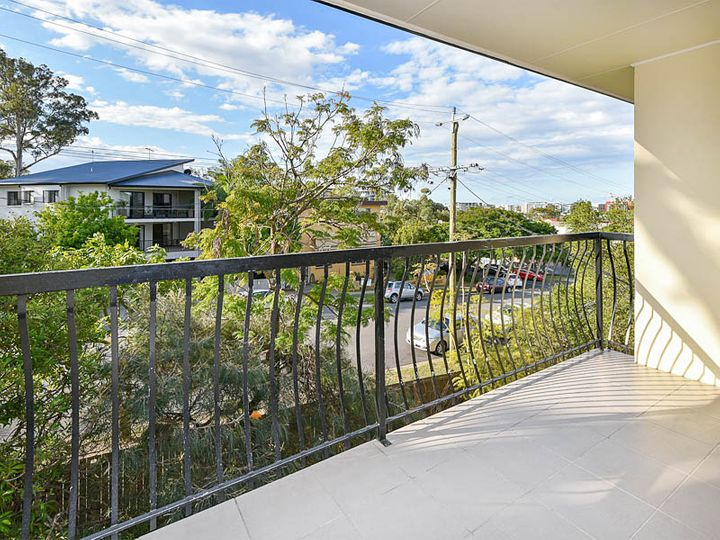 4/70 Hilltop Avenue, Chermside, QLD