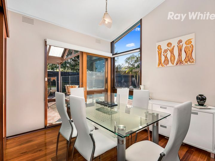 9 St Cuthberts Avenue, Dingley Village, VIC