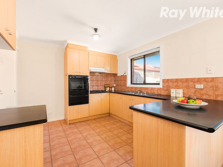 7 Parkhaven Avenue, Kingsbury, VIC