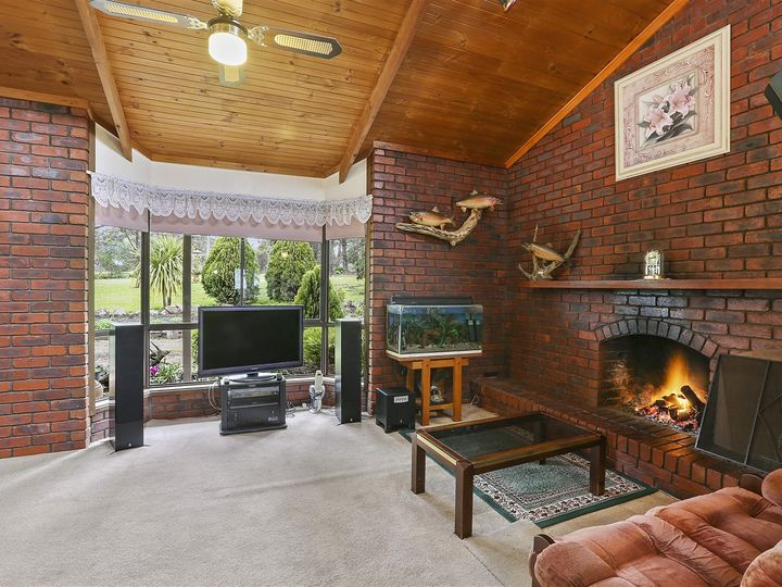 529 De Motts Road, Anakie, VIC
