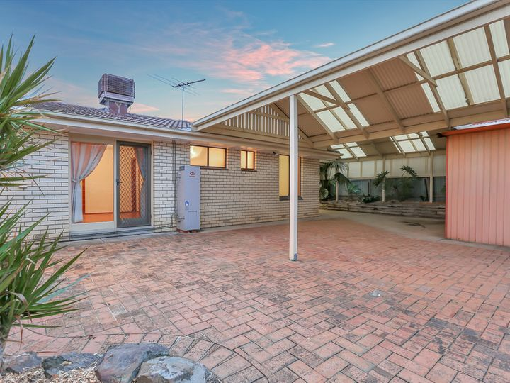 64 Greenway Drive, Surrey Downs, SA
