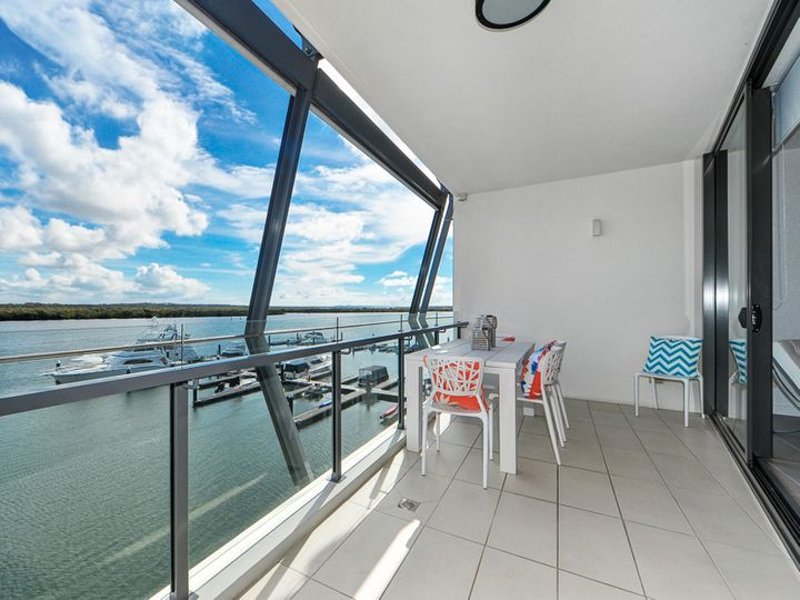 3302/4 Marina Promenade, Paradise Point, QLD