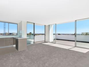 Brand New Apartment With City Views - Campsie