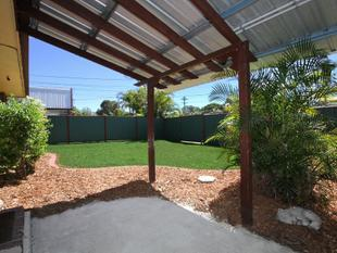 Double Side Access! Potential for Granny Flat! 6 UC Parking! - Crestmead