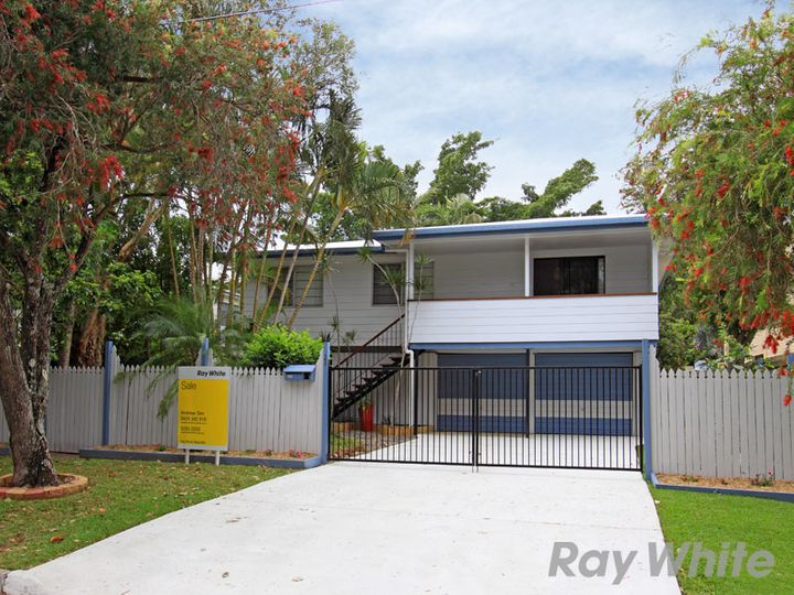 32 Grace Street, Scarborough, QLD