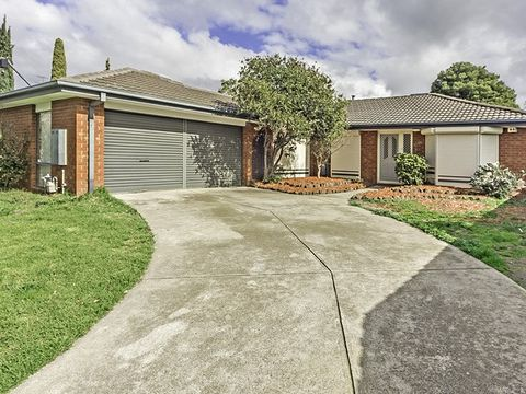 Hoppers Crossing, 15 Golden Square Crescent