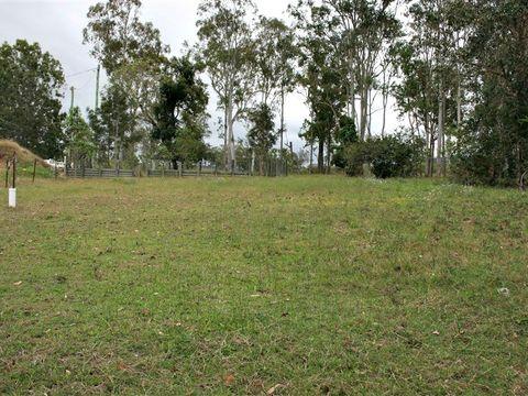 Sarina Range, 24 Willet Road