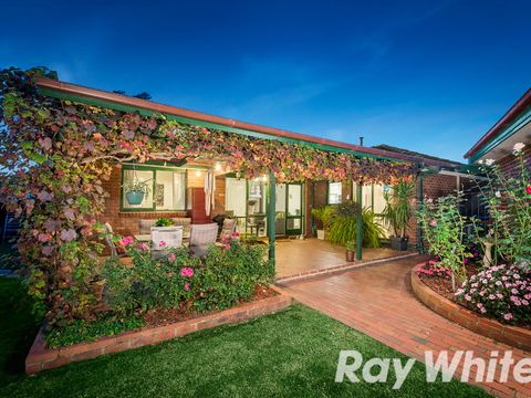Wantirna South, 11 Endeavour Place