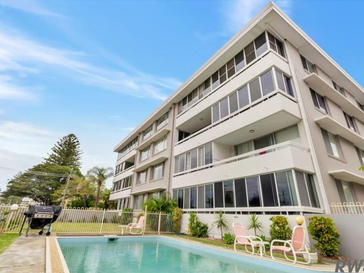 12/21 Armrick Avenue, Broadbeach, Broadbeach, QLD