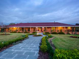 """Scothedge"" incredible lifestyle and business opportunity - Taree"