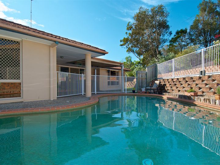 3 Crowsnest Close, Parkwood, QLD