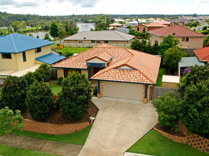 5 Brittany Drive, Oxenford, QLD