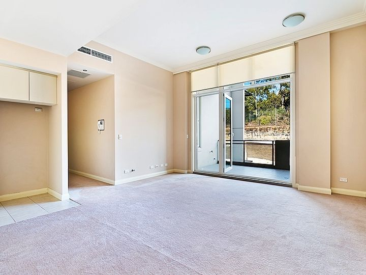 10/3 Bay Drive, Meadowbank, NSW
