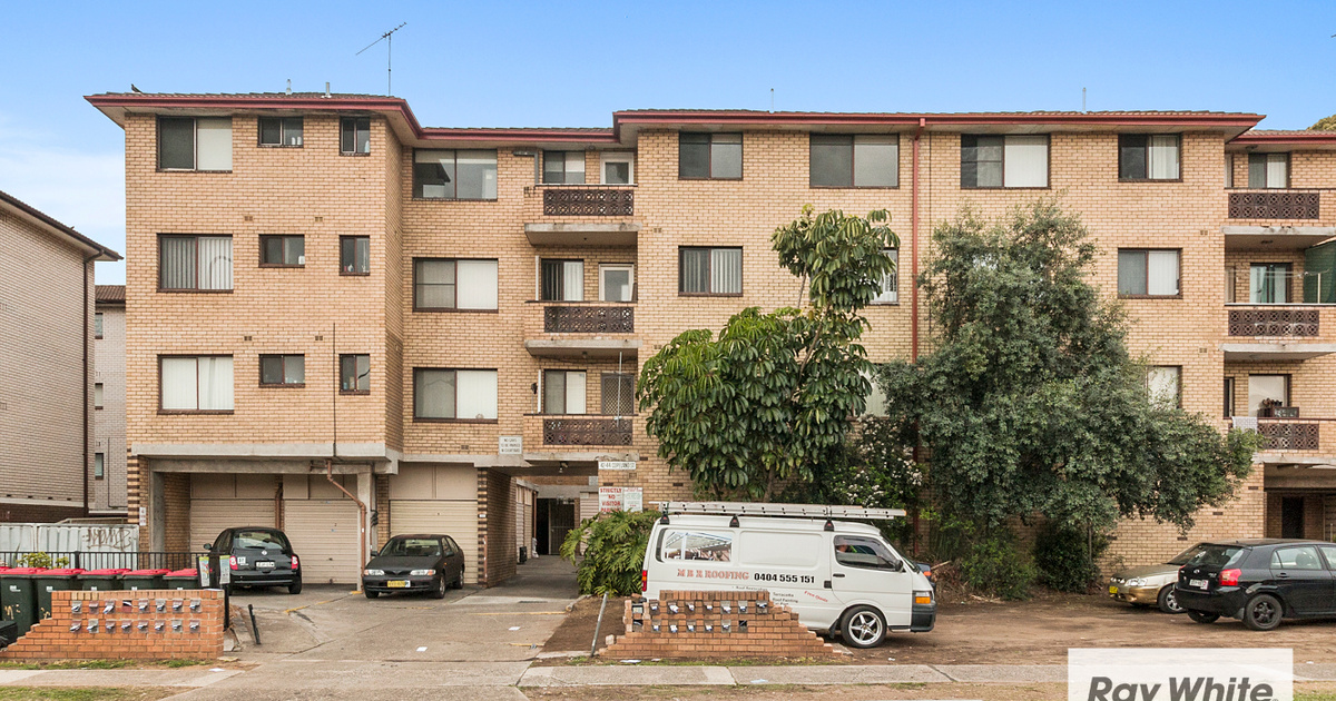 Unit sold liverpool nsw 42 44 copeland street for Kitchens liverpool nsw