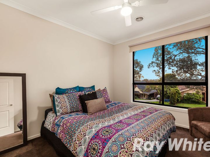 5B Lakeview Avenue, Rowville, VIC