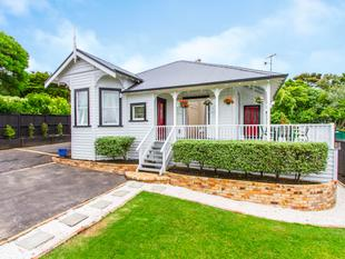 AUCTION SUNDAY 22 JAN ON SITE AT 12.30PM! - Western Springs